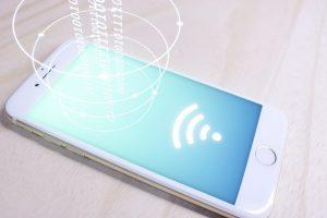店舗に無料Wi-Fiを繋ぎたい!低料金で簡単に使えるのはこれだ!